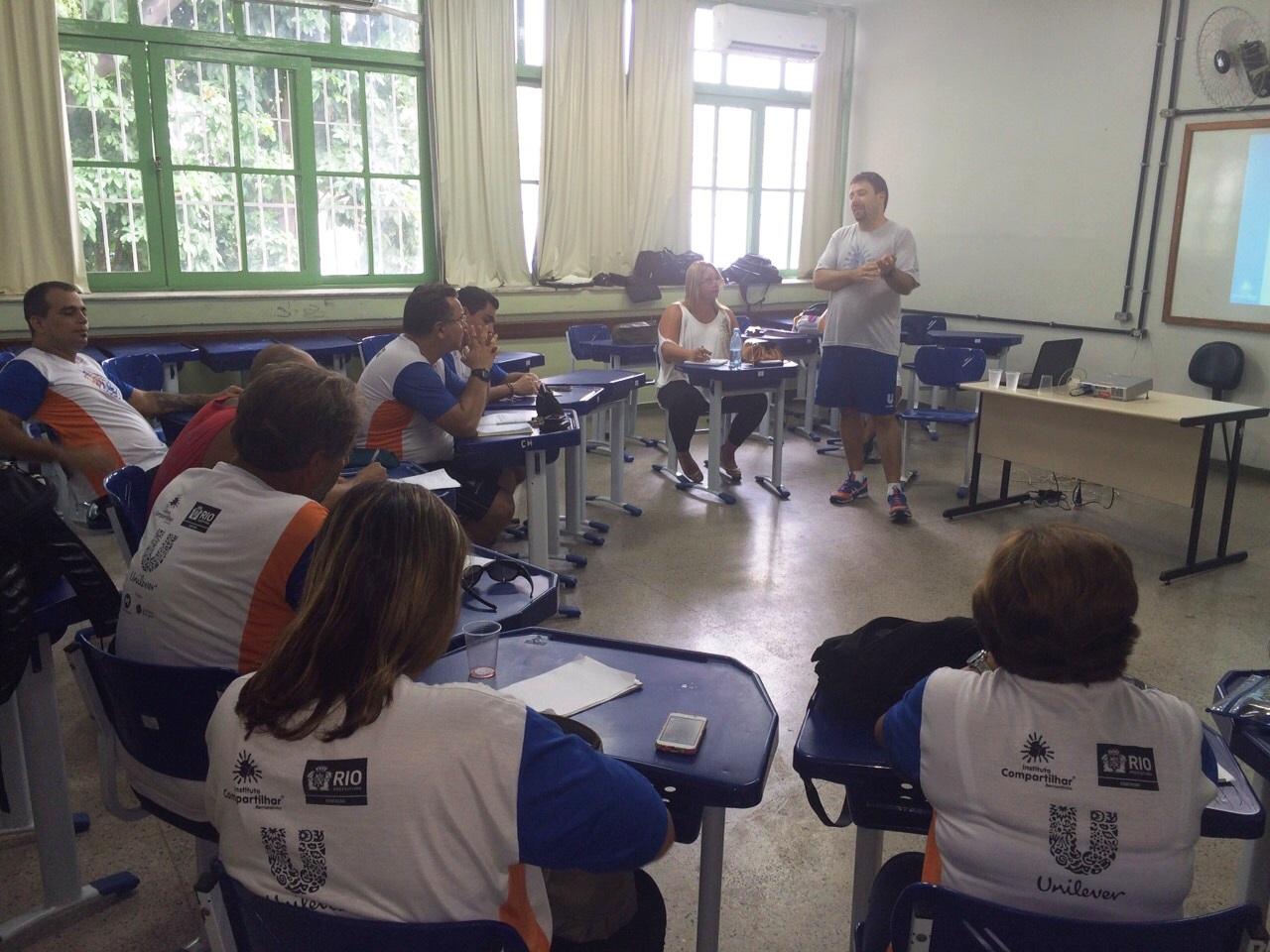 Analista de projetos, Vinicius Petrunko, apresenta resultados quantitativos dos Núcleos Rio/RJ de 2014.